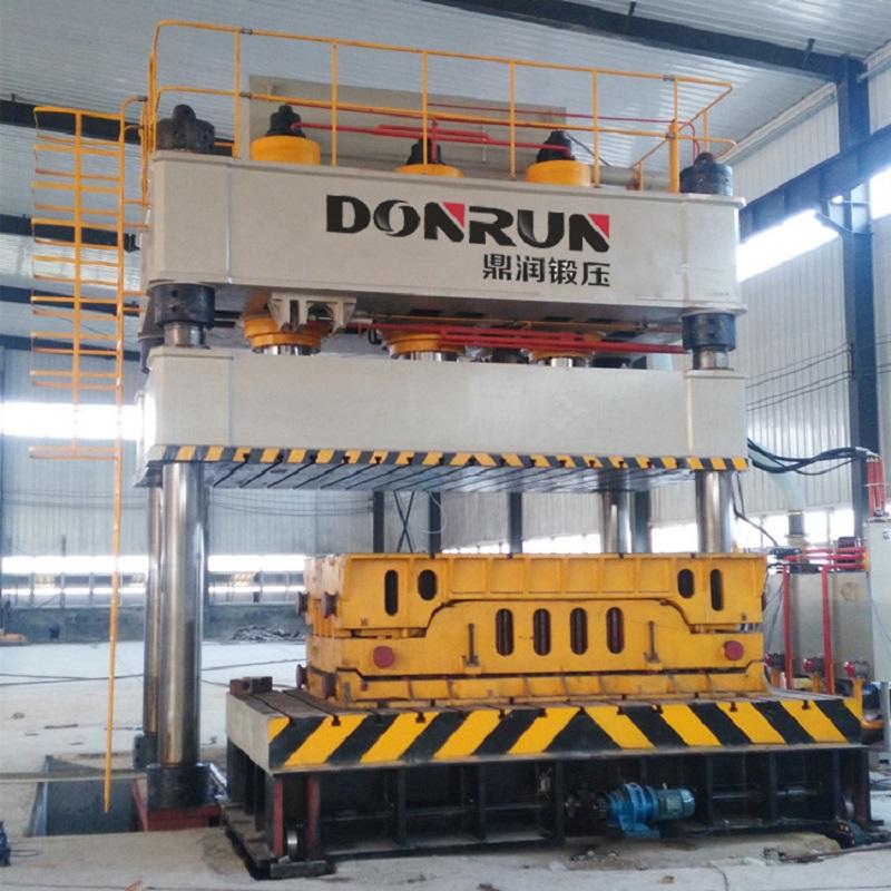 2000吨四柱液压机