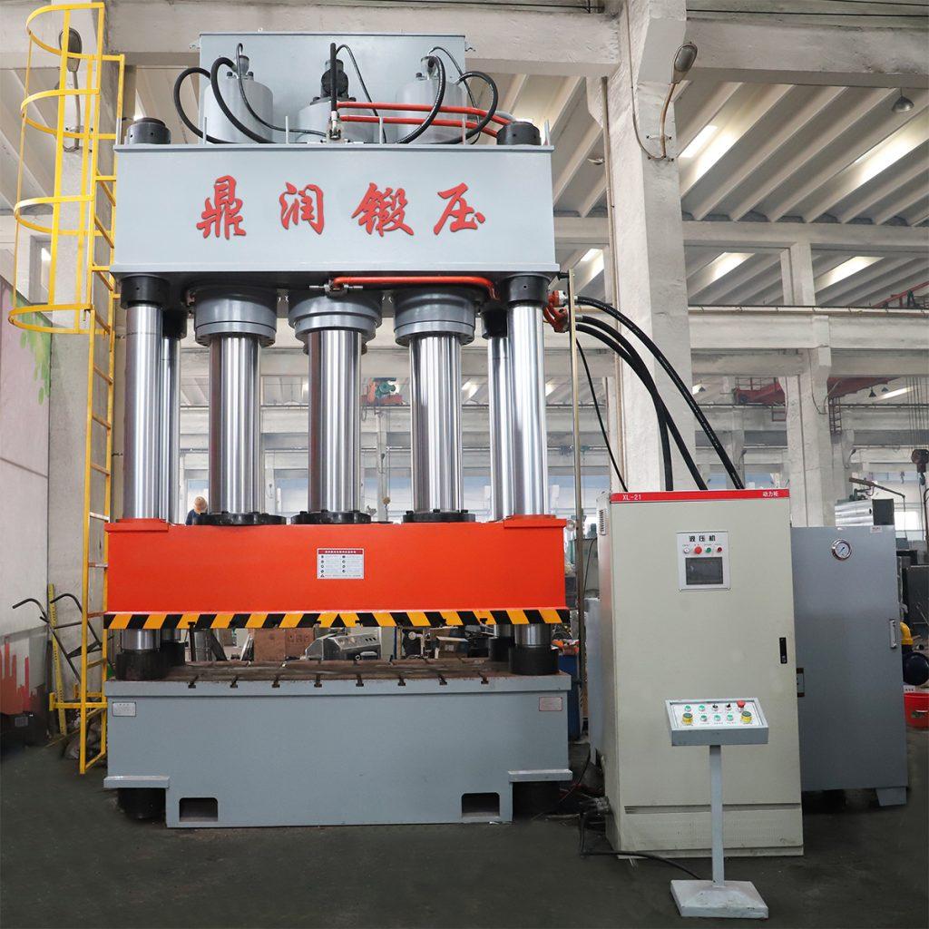 1500吨液压机