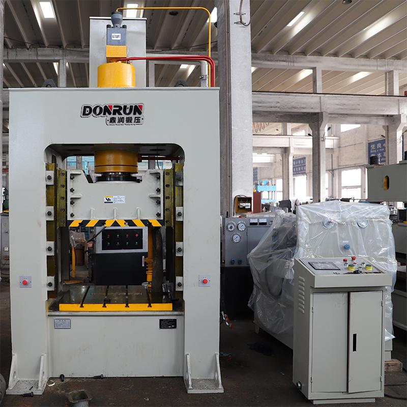 200吨框架液压机